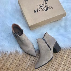 Freebird Women's Rock Ankle Boot size 9 Taupe